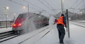 Ritardo dei treni: il rimborso spetta anche in caso di forza maggiore (Corte di Giustizia Europea)