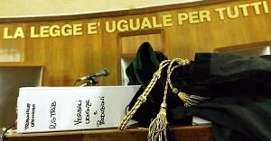 """Rinvio udienze, niente parcella se a chiederlo è l'avvocato, Ferrara: """"La colpa è del sistema"""""""
