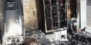 Castellammare brucia cabina telefonica